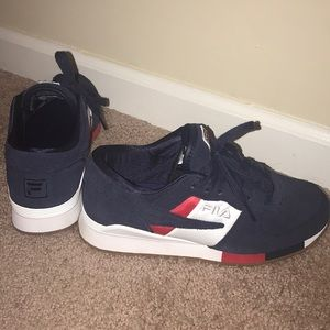 Fila gym/tennis shoe